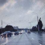 Опасный манёвр дерзкого нарушителя на Mercedes едва не привёл к аварии в столице (ВИДЕО)