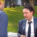 Активист, обливший молоком министра финансов, приговорён к году тюремного заключения (ВИДЕО)