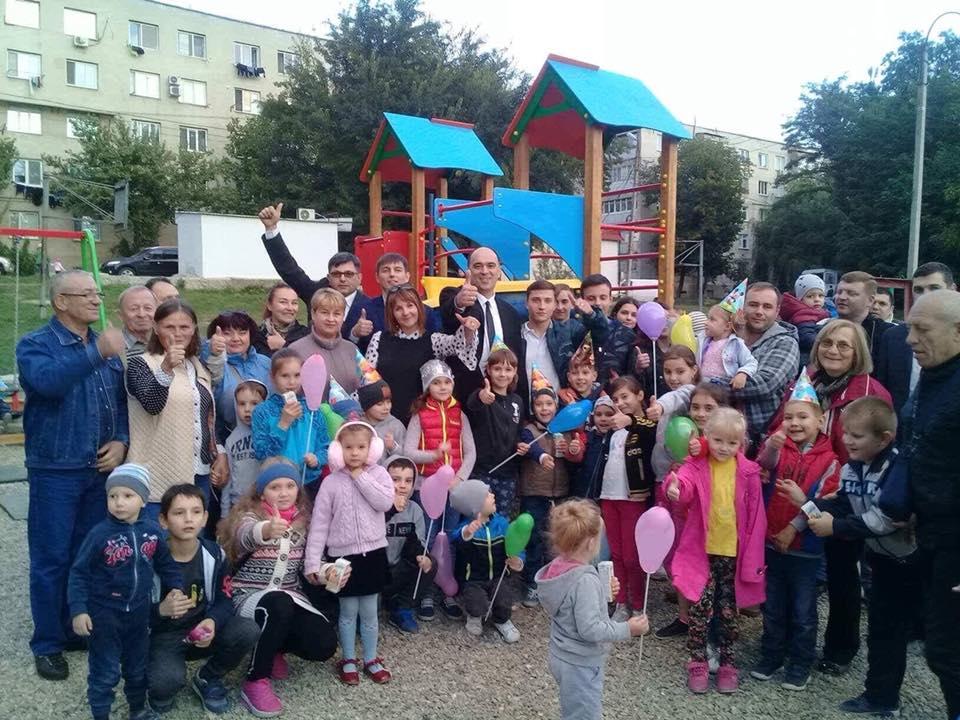 Еще одна детская площадка открылась на Рышкановке благодаря фракции ПСРМ в КМС (ФОТО)