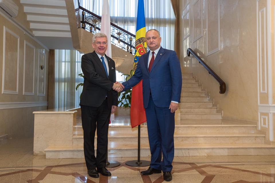 Додон: Молдова стремится сохранить взаимовыгодные партнерские отношения со всеми странами, исходя из объективных национальных интересов