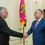 Додон на встрече с послом Венгрии: Молдова должна развивать выгодные партнерские отношения как с Востоком, так и с Западом (ФОТО)