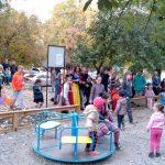 Благодаря социалистам в Кишиневе появилась еще одна новая детская площадка (ФОТО)