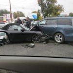 Porsche разбился в «хлам» после столкновения с другой легковушкой у Измаильского моста (ФОТО)