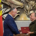 Додон наградил группу специалистов в области архитектуры и градостроительства (ФОТО)