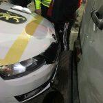 В Кишинёве пьяный узбек на Mercedes врезался в машину патрульных