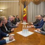 Додон обсудил результаты визита Эрдогана с послом Турции