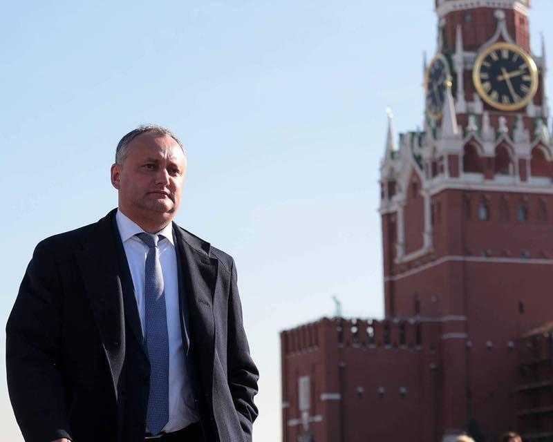 Додон вылетел в Москву: запланирован ряд встреч, в том числе с Козаком