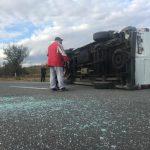 Два микроавтобуса столкнулись у Оргеева: одна из машин перевернулась (ВИДЕО)