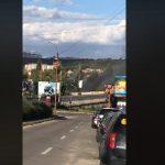 В Кишинёве горит крыша заброшенного автосервиса: с огнём борются 2 пожарных расчёта (ВИДЕО)
