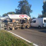 Серьезная авария на Ботанике: перевернулся грузовик (ФОТО, ВИДЕО)