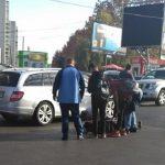 На Ботанике автомобиль сбил подростка, переходившего дорогу на красный свет