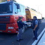 Молдаванин пытался въехать в страну на изъятом из движения властями Бельгии грузовике с прицепом