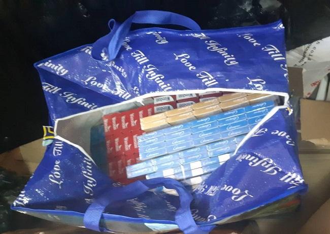 Четвероногий пограничник унюхал крупную партию контрабандных сигарет (ФОТО)