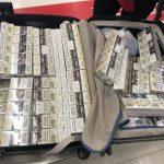 В аэропорту было конфисковано более 16 тысяч сигарет с молдавскими акцизами (ФОТО)