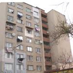 В квартире, как на улице: многоэтажка в Кишинёве до сих пор не подключена к отоплению из-за повреждённых труб (ВИДЕО)