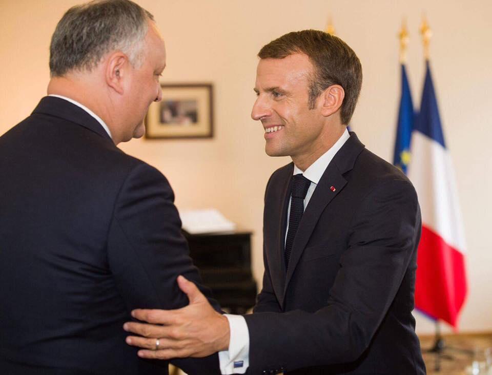 Додон совершает визит в Париж по приглашению Макрона