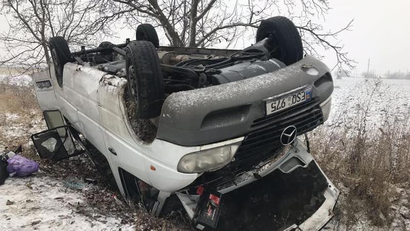 Микроавтобус попал в страшное ДТП в Дубоссарах: 17 человек госпитализированы (ФОТО)