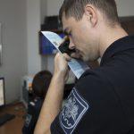 Двое молдаван хотели выехать за границу с фальшивыми правами, но попались с поличным