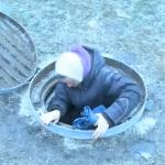 """""""Хочу вернуть паспорт и детей"""": супруги вынуждены жить в канализации после того, как прошли 7 кругов ада (ВИДЕО)"""