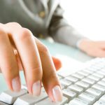 Родители смогут записать первоклассников в школу онлайн