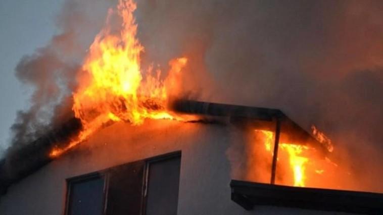 Обгоревшие тела мужчины и женщины нашли спасатели после пожара в Резинском районе