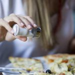 Молдаване потребляют соли вдвое больше рекомендуемой дозы