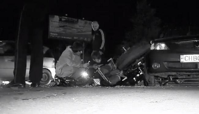 Молодая байкерша была сбита автомобилистом в коммуне Чореску (ВИДЕО)
