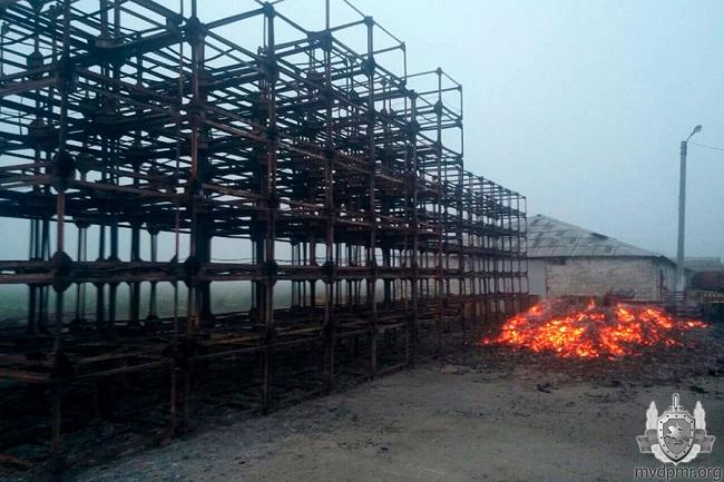 В Бендерах вспыхнул склад: пожарные боролись с огнём около 4 часов