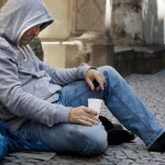 В столице бездомным помогут пережить морозы