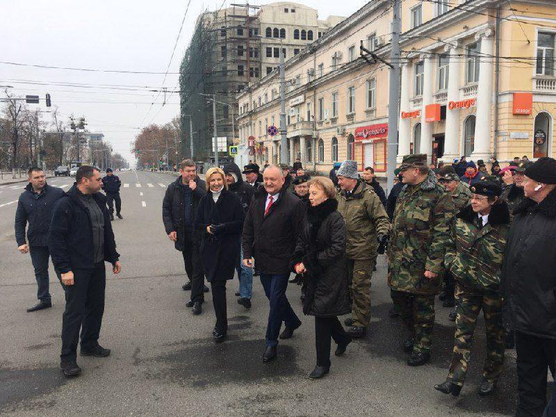 Игорь Додон присоединился к митингу ПСРМ в центре Кишинева (ФОТО)