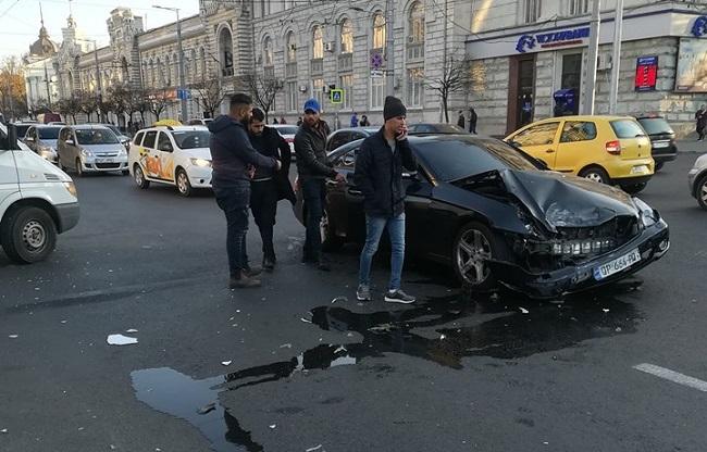 Стали известны подробности вчерашней аварии в центре столицы