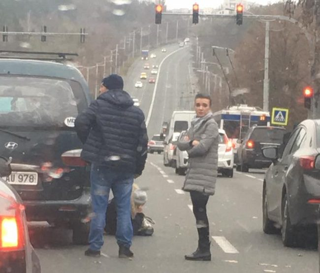 Вблизи третей горбольницы на Рышкановке вновь сбили пешехода: пострадавшая получила открытый перелом
