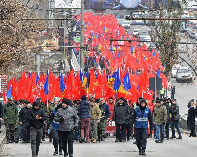 Около 60 тысяч человек приняли участие в марше и митинге ПСРМ (ФОТО)