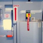 Паника на борту самолёта рейса Москва – Кишинёв: один из пассажиров пытался открыть дверь и выйти во время полёта