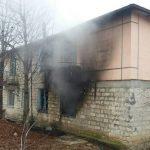 Подробности утреннего пожара в Леова: огонь тушили менее 10 минут, но спасти хозяина не удалось (ФОТО)