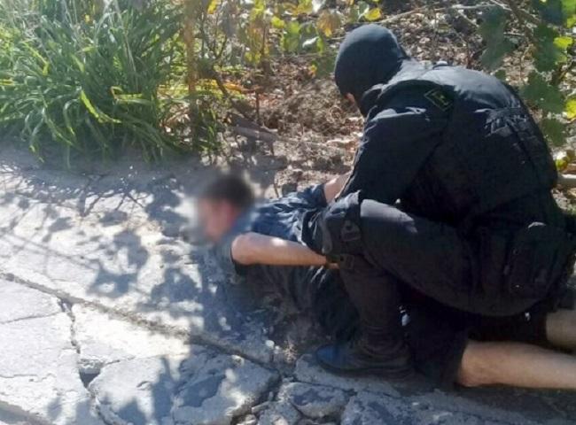 Один грамм марихуаны за 100 леев: прокуратура задержала членов банды из Гагаузии, распространявшей наркотики (ВИДЕО)