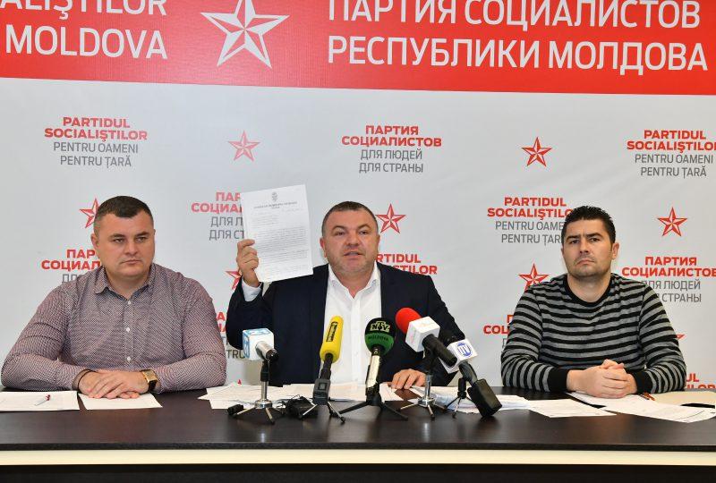 """Социалисты призвали госструктуры и примэрию не потворствовать """"черным"""" застройщикам в Кишиневе (ВИДЕО)"""