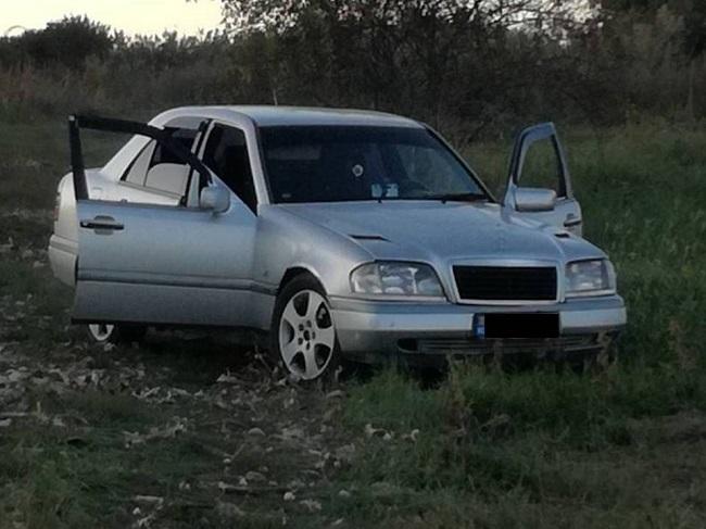 Житель Кишинёва попал в аварию на угнанном автомобиле: полиция задержала преступника (ВИДЕО)