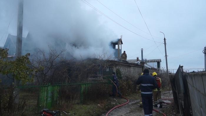 Пенсионерка из Каушан осталась без крыши над головой после того, как в доме загорелась печь (ФОТО)