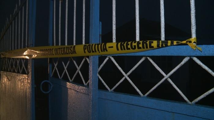 Ударил топором, поджёг дом и ушёл домой: подозреваемый в двойном убийстве в Хынчештах познакомился со своими жертвами по интернету