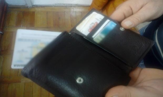 Двое молдаван задержаны на границе с поддельными документами