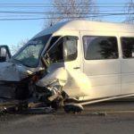 Серьёзная авария с участием маршрутки: 7 человек госпитализированы, машины всмятку (ФОТО)