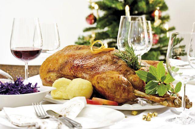 Вкусно поесть и не поправиться. Пять правил новогоднего застолья