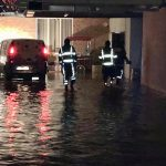 На улице Албишоара произошёл прорыв магистральной трубы: из-за аварии затопило подвал жилого дома (ФОТО)