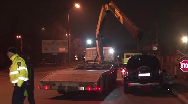 Нарушение ПДД стало причиной крупного скандала на дороге с задержанием и эвакуацией авто (ВИДЕО)