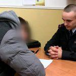 В Слободзее нетрезвый мужчина набросился на соседей с топором, но был вовремя схвачен милицией