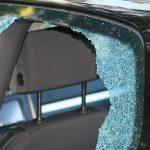 Выместил гнев на автомобиле: в Приднестровье дебошир разбил машину недруга