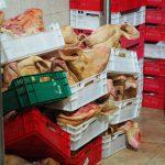 В столице конфисковали мясо на 100 тысяч леев из-за антисанитарии и отсутствия документов (ФОТО, ВИДЕО)