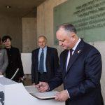 Додон: Холокост – огромный урок для всего человечества, доказывающий нам важность сохранения мира (ФОТО)