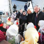 Додон посетил рождественские ярмарки в Комрате и Чадыр-Лунге (ФОТО, ВИДЕО)
